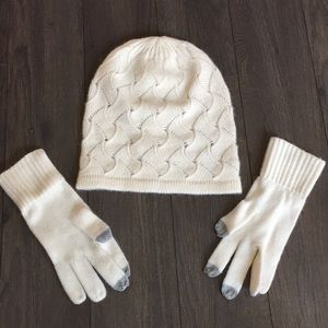 Accessories - Women's Hat + Gloves